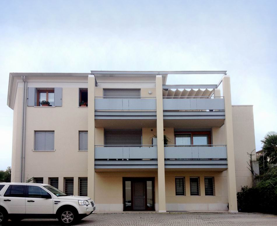 Nuovo fabbricato residenziale-direzionale - Alessandro Corinto Architetto